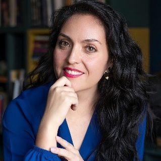 Yuri Franco, Mexicana, columnista freelance para Mujeres & Negocios