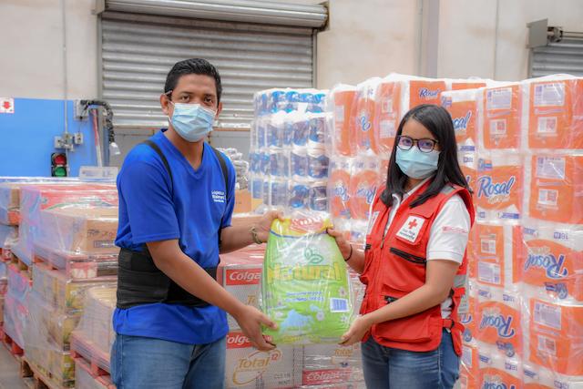 Donación de Walmart Honduras por huracán ETA e IOTA
